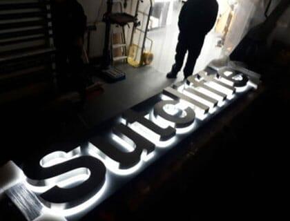 Illuminated 3D letters